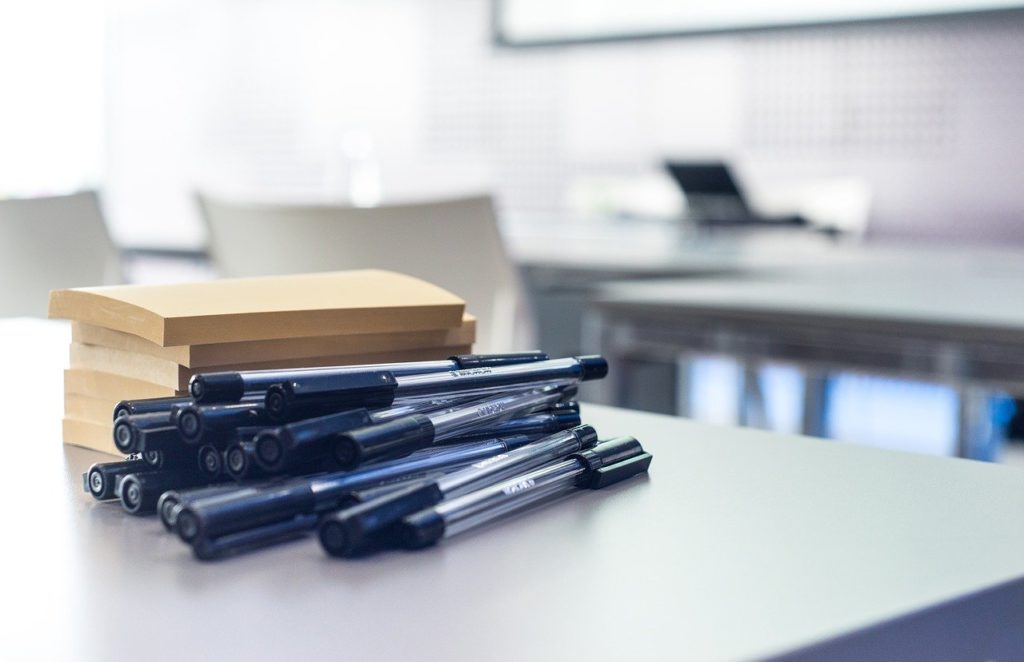 workshop, pens, post-it note